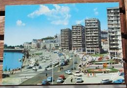 BOULOGNE SUR MER LE QUAI GAMBETTA ET L ENTREE DE LA RUE FAIDHERBE  VOITURES - Boulogne Sur Mer