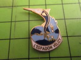 512F Pins Pin's / Rare & De Belle Qualité  THEME : ANIMAUX : L'ESPADON VELIZY SPEARFISH - Animals