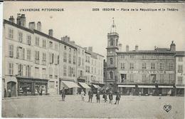 Puy De Dome : Issoire, Place De La République Et Le Theatre - Issoire