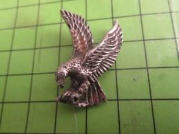 512G2 Pins Pin's / Rare & De Belle Qualité  THEME : ANIMAUX / OISEAU AIGLE METAL ACIER - Animals