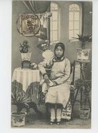 ASIE - CHINE - CHINA - PEKIN - PEKING - TIEN TSIN - CITÉ - Femme Chinoise Assise - CITY - Chinese Woman Down - Chine