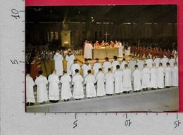 CARTOLINA VG FRANCIA - LOURDES - Basilica Sotterranea S. Pio X - Concelebrazione - 10 X 15 - ANN. 2000 - Lourdes
