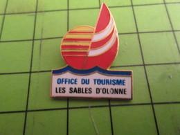 612a Pins Pin's / Rare & De Belle Qualité  THEME : VILLES / LES SABLES D'OLONNE OFFICE DU TOURISME - Villes