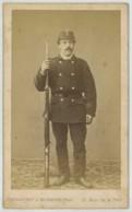 CDV Militaire Touranchet & Neubauer à Paris . Guerre De 1870-71 . Un Mobile . 79 Sur Le Képi . Chasseur . Fusil . - Anciennes (Av. 1900)