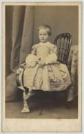 CDV 1860-70 Démée à Paris Photographe De SAS Mgr Le Prince De Monaco . Joli Portrait D'enfant . Chapeau . - Anciennes (Av. 1900)