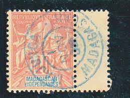 MADAGASCAR OBLITERATION BLEU DE MAJUNGA SUR N° 37 - Madagascar (1889-1960)