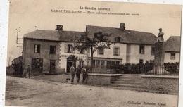 LAMAZIERE-BASSE PLACE PUBLIQUE ET MONUMENT AUX MORTS - France