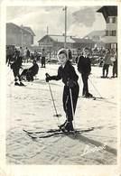 Gd Format :environ 15cms X10cms -ref Y319- Sports D Hiver- Ski -skieurs -skieur -publicité Santé Liveroil -suppositoires - Winter Sports