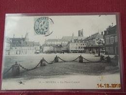 CPA - Nevers - La Place Carnot - Nevers