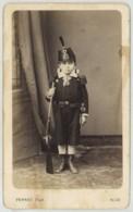 CDV 1870-80 Ferret à Nice . Garçon En Uniforme Militaire Avec Fusil . - Anciennes (Av. 1900)