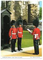 Posting The Sentries At THE TOWER OF LONDON ... Is Guarded By Detachments ....- John Hinde 2L90 - Tower Of London