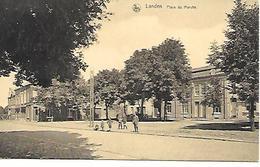 CPA / AK / PK  -  LANDEN  Place Du Marché  ( Animatie ) - Landen