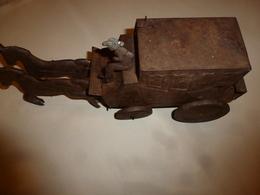 Jouet En Tôle De Fer DILIGENCE Ou MALLE-POSTE (peut-être Joustra)  Avec Mécanisme à Ressort (ensemble à Restaurer) - Toy Memorabilia