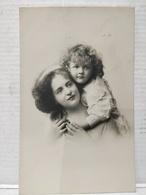 Femme Et Enfant - Portraits