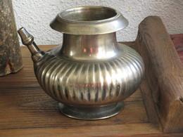 Pot à Eau XVIIIème Heavy Bronze Spouted Lota Deccan India. Mughal Islam - Art Oriental