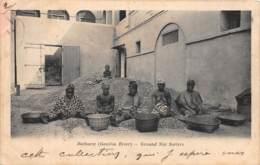 Gambie / 08 - Bathurst - Ground Nut Sorters - Gambia