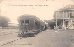 Guinée  Française / Conakry - 07 - La Gare - Train - Beau Cliché - Guinée Française