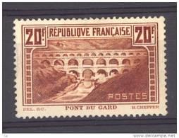 France  :   Yv  262  * - France