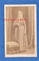 Photo Ancienne CDV Vers 1870 - CHATELLERAULT - Portrait Femme Poitevine ? - Voir Coiffe & Folklore - A. Delaunet - Anciennes (Av. 1900)