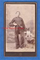 Photo Ancienne CDV Vers 1890 - LILLE - Beau Portrait Garçon Chasseur Avec Son Chien & Fusil - A. Mallart - Chasse - Anciennes (Av. 1900)