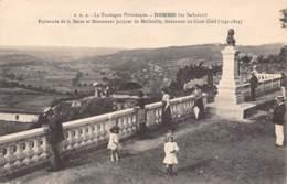 24 - DOMME (en Sarladais) - Esplanade De La Barre Et Monument Jacques De Malleville, Rédacteur Au Code Civil - France