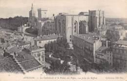 84 - AVIGNON - La Cathédrale Et Le Palais Des Papes, Vue Prise Du Beffroi - Avignon (Palais & Pont)