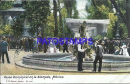 105062 MEXICO D.F PASEO DOMINICAL EN LA ALAMEDA & FUENTE SOURCE POSTAL POSTCARD - Mexique
