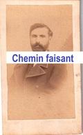 Avant 1900 - Photographie Originale D'un Homme - GIRAUDEAU La Rochelle 16 - CDV 60 X 100mm - Scans  Recto-verso - Photographs