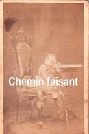 Avant 1900 - Photographie Originale D'un Enfant - BONFATTI Civitavecchia Italie - CDV 60 X 100mm - Scans Recto-verso - Antiche (ante 1900)