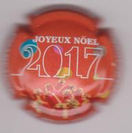 Capsule Champagne DE MILLY Albert ( Nr ; Joyeux Noel 2017 , Fond Rouge ) {S51-18} - Champagne