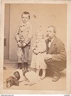 PHOTO CDV 19 EME PERE ET SES ENFANTS ET LE CHIEN Anonyme - Photographs