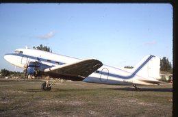 SLIDE / AVION / AIRCRAFT   KODAK  ORIGINAL    DC 3  N18196 - Diapositives