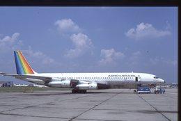 SLIDE / AVION / AIRCRAFT   KODAK  ORIGINAL    AERO BRAZIL  B 707  PT-TCP - Diapositives