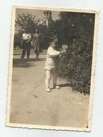 Boy In The Park Re221-110 - Personnes Anonymes