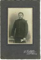 """Photo (6.5 X 10 Cm) Collée Sur Carton épais (11 X 16.5 Cm) Militaire Du 9e D'Artillerie """"Photo L Hattiger, Belfort"""" - Guerre, Militaire"""