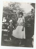 Woman,Girl Pose For Photo Re234-110 - Personnes Anonymes