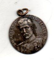 Medaillette SM Albert Ier Roi Des Belges. Diam 27mm - Belgique