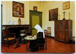 #424  Benedictine Nun In Begijnhof Brugge- Belgium - Postcard - Christentum