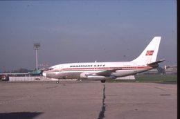 SLIDE / AVION / AIRCRAFT   KODAK  ORIGINAL  BRAATHEN SAFE  B 737  LN-SUH - Diapositives