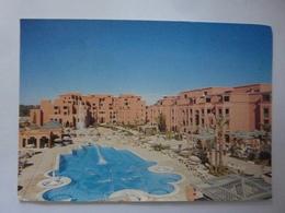 """Cartolina """"HOTEL PULLMAN MANSOUR EDDAHBI  - MARRAKECH Vue Du Piscine De Jour"""" - Marrakech"""