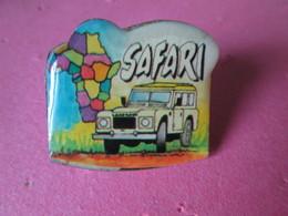 PIN'S     LAND  ROVER   SAFARI - Badges