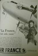 Air France, Avion, Emblème Pégase, Femme En Costume Au Service Du Voyage, Aviation, Publicité Papier - Publicités