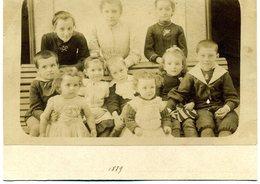 Photo Albuminée Sur  Carton -  Gard - Saint Christol Les Alès - Photo De Famille  En 1889 - Photographs
