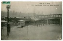 CPA 75 PARIS - INONDATIONS DE PARIS Crue De La Seine La Tranchée Du Chemin De Fer Au Quai De Grenelle - Inondations De 1910
