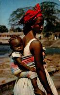 L'Afrique En Couleurs - Jeune Maman - Cartes Postales