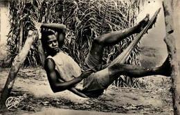 Afrique Noire - La Sieste - Cartes Postales
