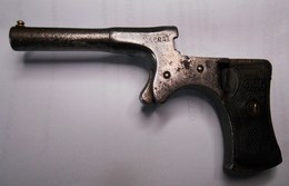 Pistolet De Cycliste De Marque CYCLO.Longueur : 12 Cm.Le Chien Est Cassé - Armes Neutralisées