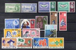 GIBRALTAR  Lot De  Timbres Neufs ** Vers 1960  ( Ref 1042 )   Séries Complètes - Gibraltar
