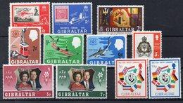 GIBRALTAR  Lot De  Timbres Neufs ** Vers 1970  ( Ref 1043 )   Séries Complètes - Gibraltar