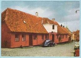 DK189, * MARIAGER, DEN GL. APOTEKGÅRD * OLD VW * + OTHER Small CARS ! - Danemark